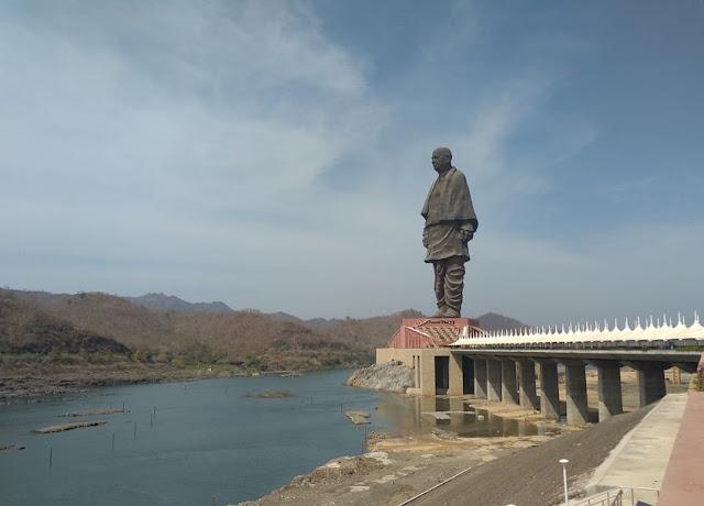 estátua índia