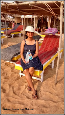 blogger Anamika Chattopadhyaya at Candolim beach, North Goa