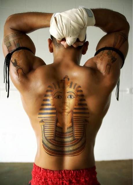 Egipcio Tatuagem Na Parte De Tras Para A Caras