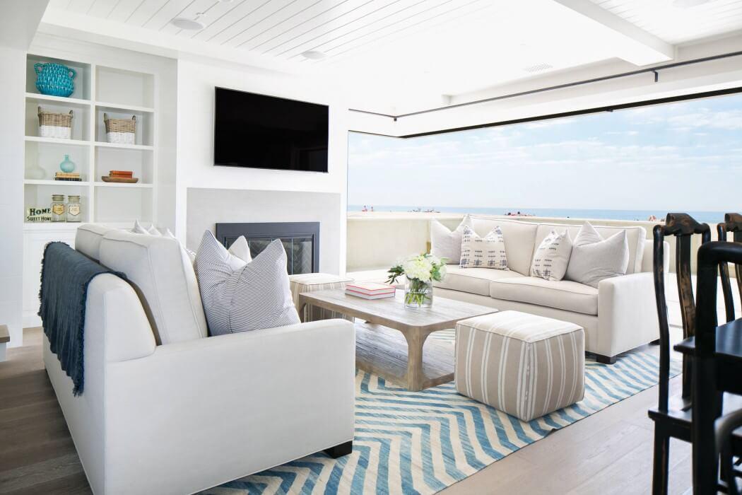 Decoraci n cl sica en una casa cerca del mar for Casa clasica moderna interiores