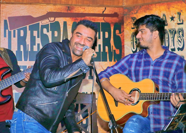 Ajaz Khan - R- Adda Roof Top Hideout Bar- new year's eve 2017