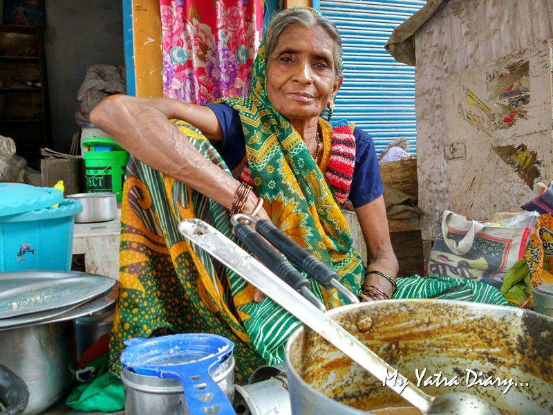 Dadi Allahabad Navratri Women