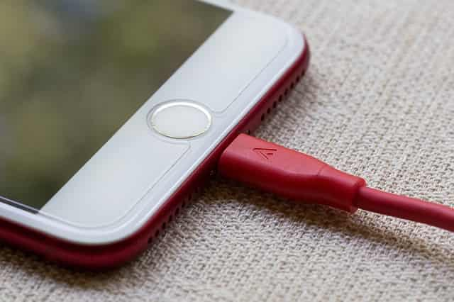 How to Save Smartphone Battery Charge- Draining Problems