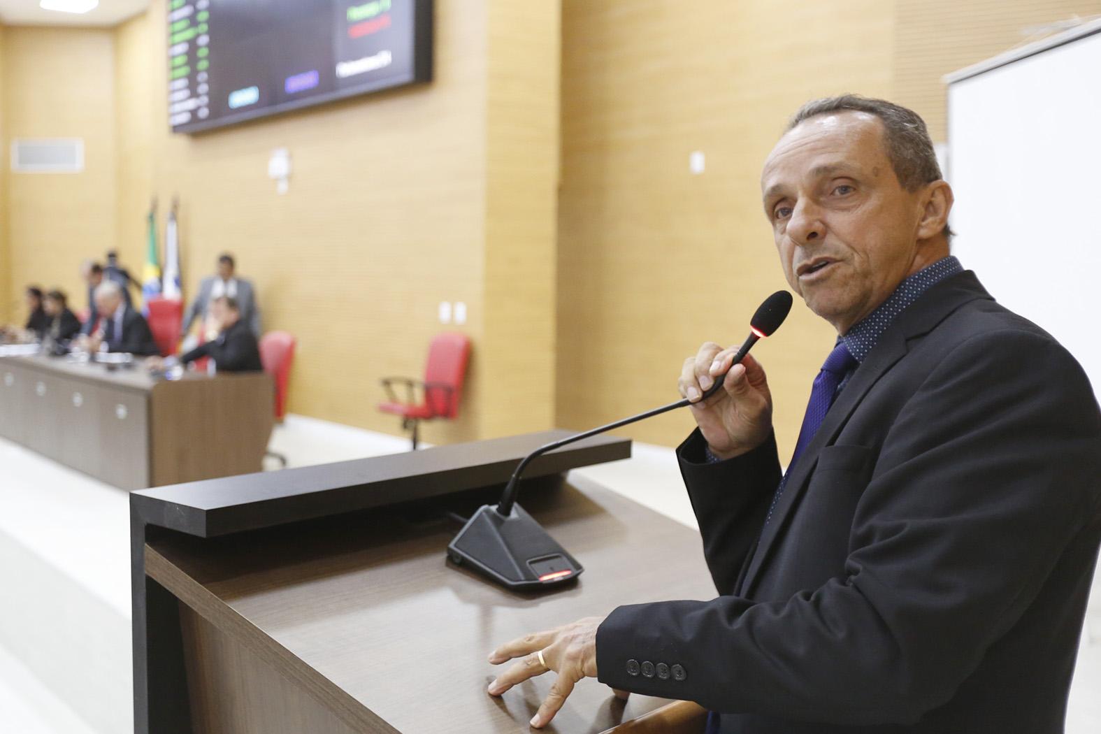 Aprovada proposta do deputado Lazinho da Fetagro que estabelece distância mínima para instalação de confinamentos de bovinos