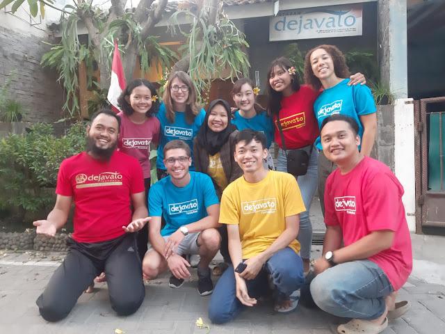 Tim Dejavato dan relawan asing & lokal