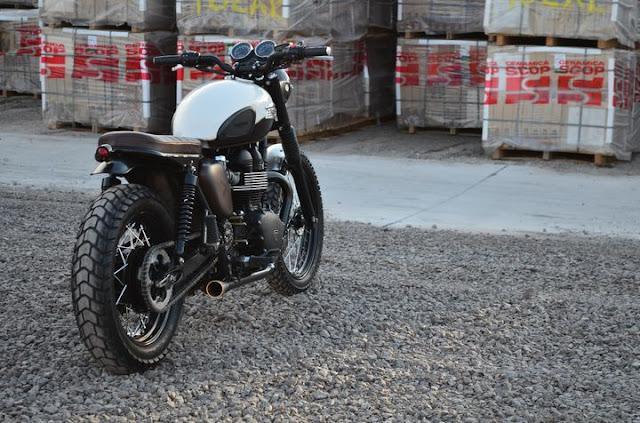Triumph Bonneville Brat Style - Gọn gàng và hoài cổ