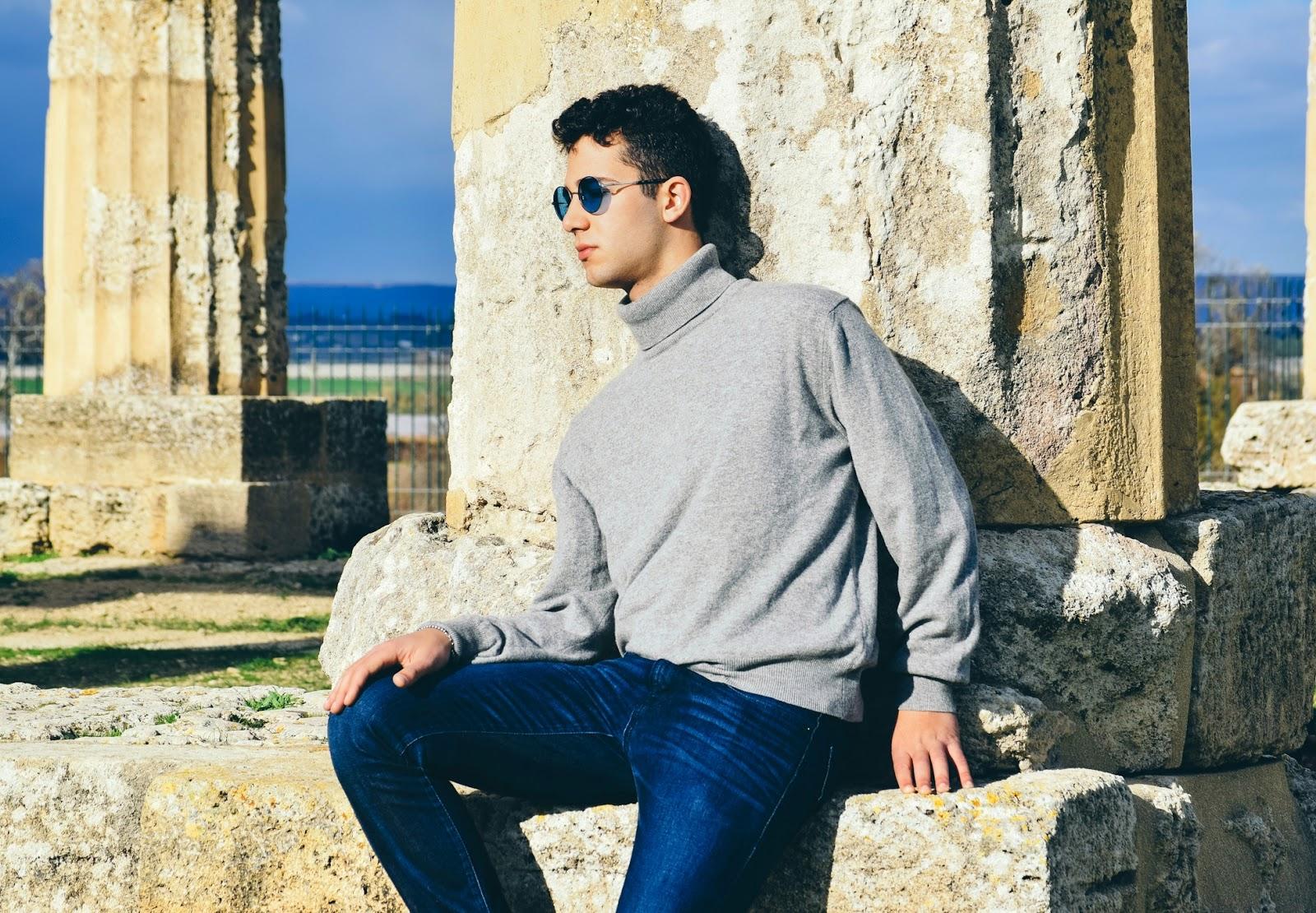 moda uomo maglia collo alto