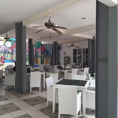 HUK Family Resto Jatiasih  Tempat Makan Enak Bareng Keluarga di Bekasi