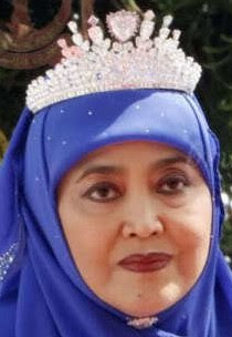 diamond heart tiara queen saleha brunei