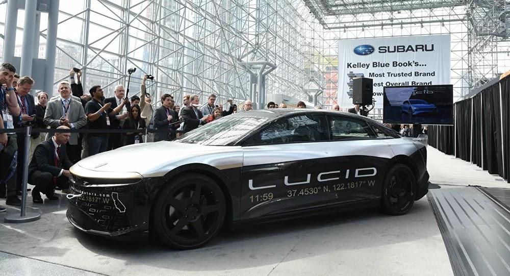 SCI-TECH : Lucid Motors, concurrent de Tesla dévoile sa voiture électrique d'une autonomie de 830 km