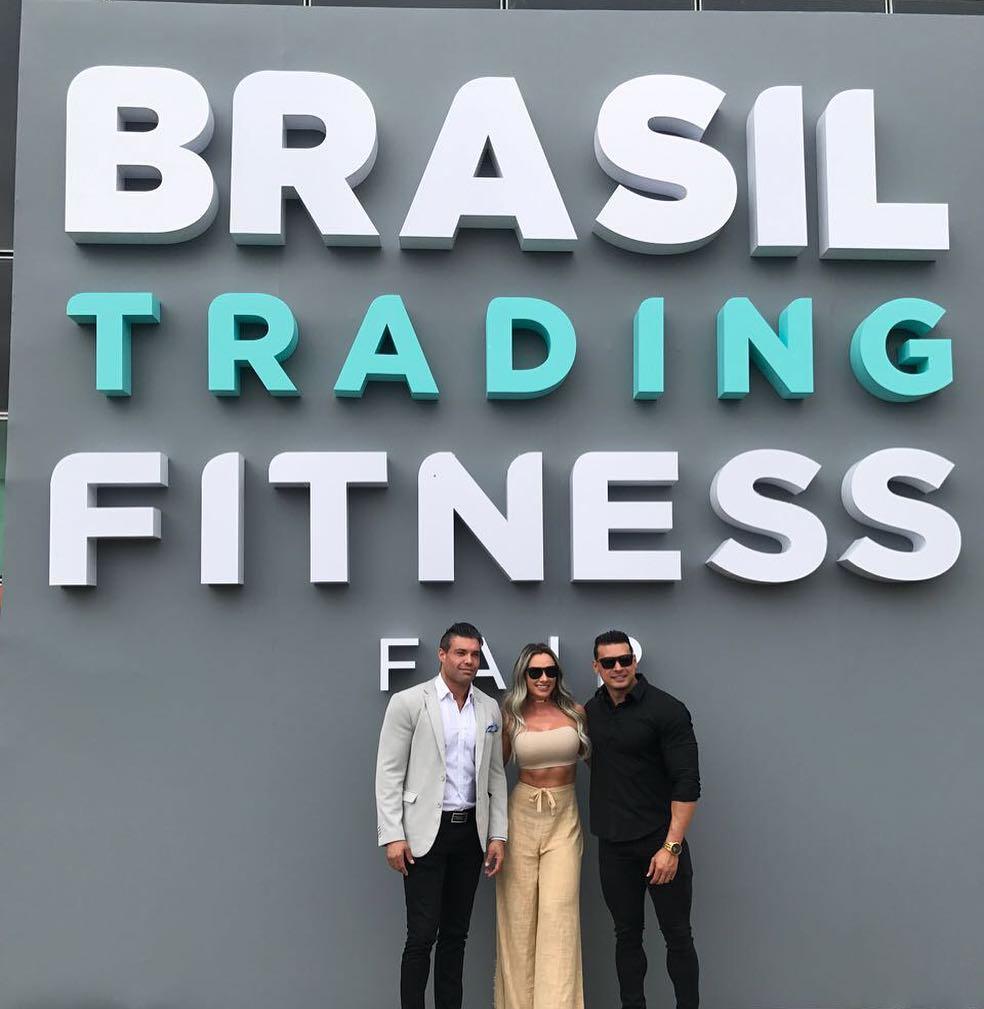Anderson Marinho, CEO da BTFF, ao lado dos embaixadores nacionais Juju Salimeni e Felipe Franco. Foto: Divulgação