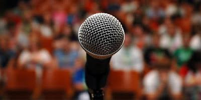 Artikel ini berisi pengertian pidato, tujuan pidato, bagian-bagian pidato, fungsi pidato, dan ciri-ciri pidato yang baik.