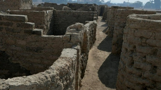 History Mystery: Lost Golden City Unearthed in Egypt