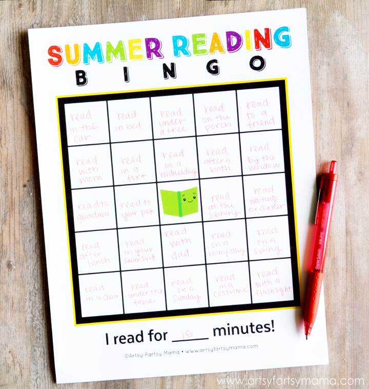 Free Printable Summer Reading Bingo at artsyfartsymama.com