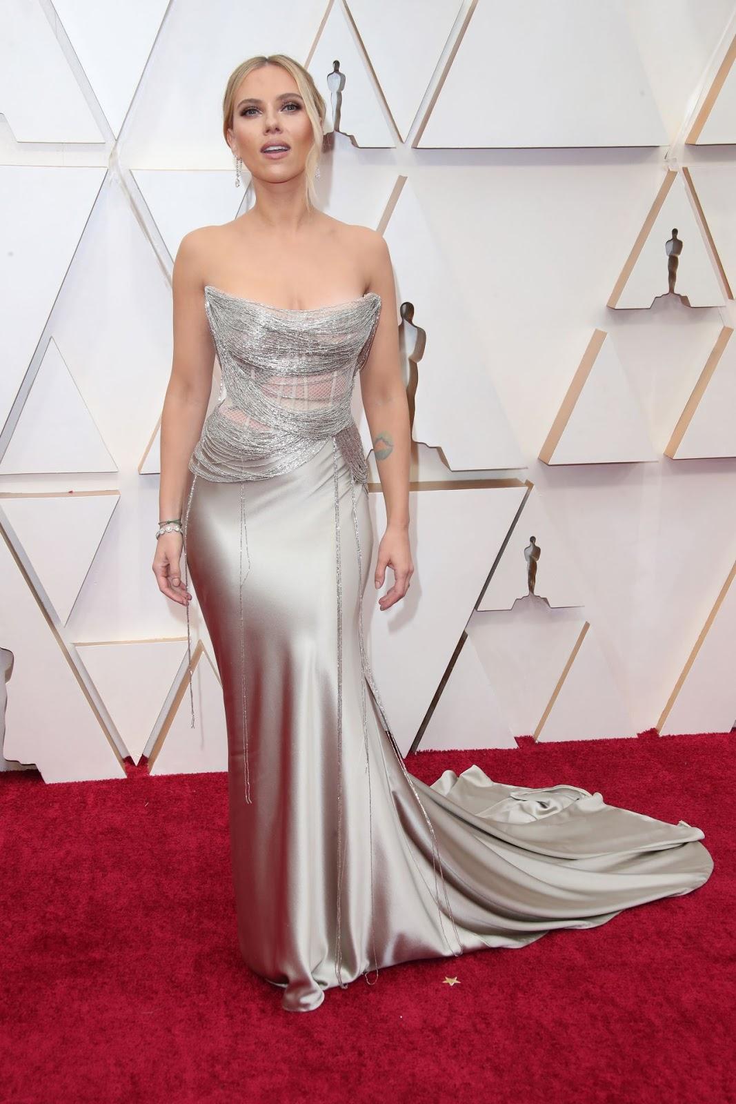 Scarlett Johansson Reinvents Fishnet in Daring 2020 Oscars Gown