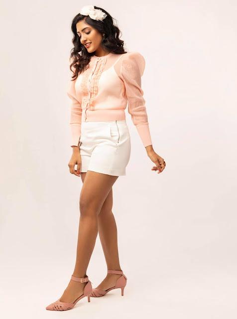 Actress Eesha Rebba Recent Photoshoot Stills in Short Actress Trend
