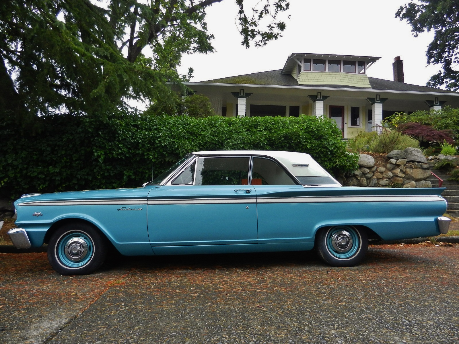 Seattle's Parked Cars: 1963 Ford Fairlane 500