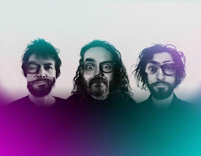 Mis de côtés les accents rock progressif de leurs débuts, voilà de nouveaux territoires explorés, sous la caméra d'Antoine Pouilly, dans un voyage à travers des arrangements de claviers psychédéliques, de guitares triturées et de percussions pop.