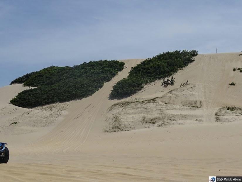 Olha a duna radical que mamis encarou no passeio de buggy em Genipabu, RN