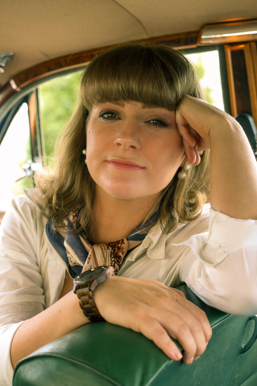 Liana of @findingfemme wears a JORD Wood Watch in her Jaguar Mark II.