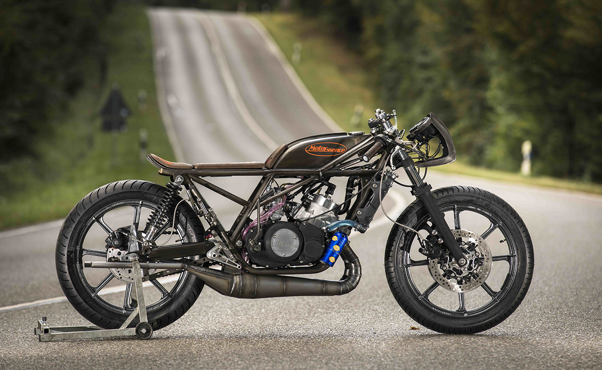 the falcon - moto essence yamaha rd350 ~ return of the cafe racers