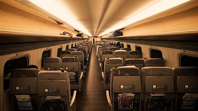 800px-Shinkansen_E5_interior_2018-02-09_%252839286104035%2529.jpg