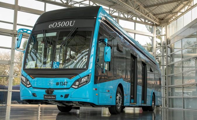 Mercedes-Benz apresenta primeiro ônibus elétrico da marca no Brasil