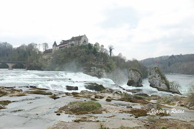 Castillo de Laufen. cataratas del Rin