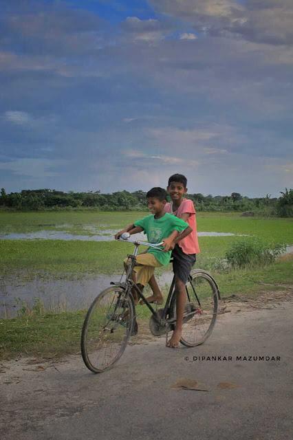 Childhood days cycle image Pic