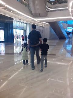 Dukung Suami Menjadi Ayah Luar Biasa, Bisa!