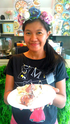 Banoee Pizza at Yolks Flower Cafe + Cupcakery - Davao City - #MamaMiah