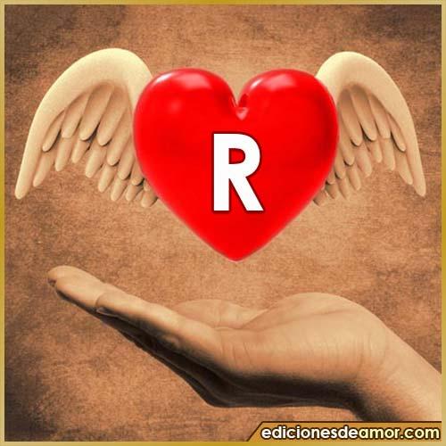 corazón con alas con letra R