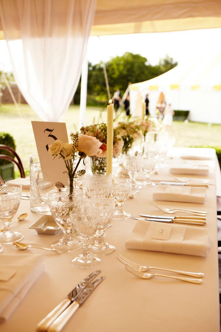 love my weddings kate moss 39 perfect garden wedding. Black Bedroom Furniture Sets. Home Design Ideas