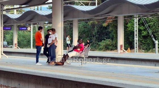 Λαμία: Αδιανόητο! Τον πέταξαν έξω από το τραίνο γιατί νόμιζαν ότι είχε κορωνοϊό - ΒΙΝΤΕΟ