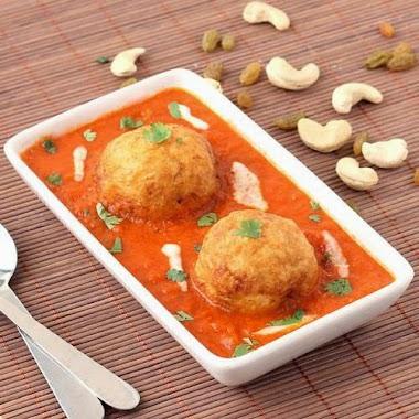 Tasting Malai Kofta in New Delhi