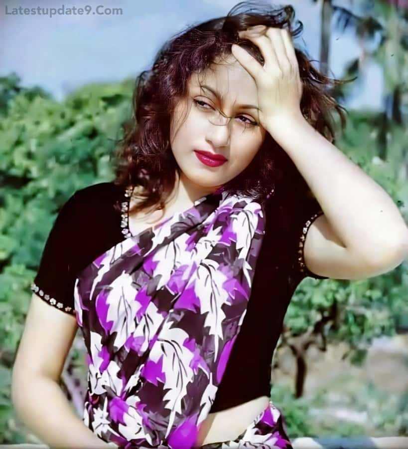 madhubala old photoshoot color pic, magazine photos
