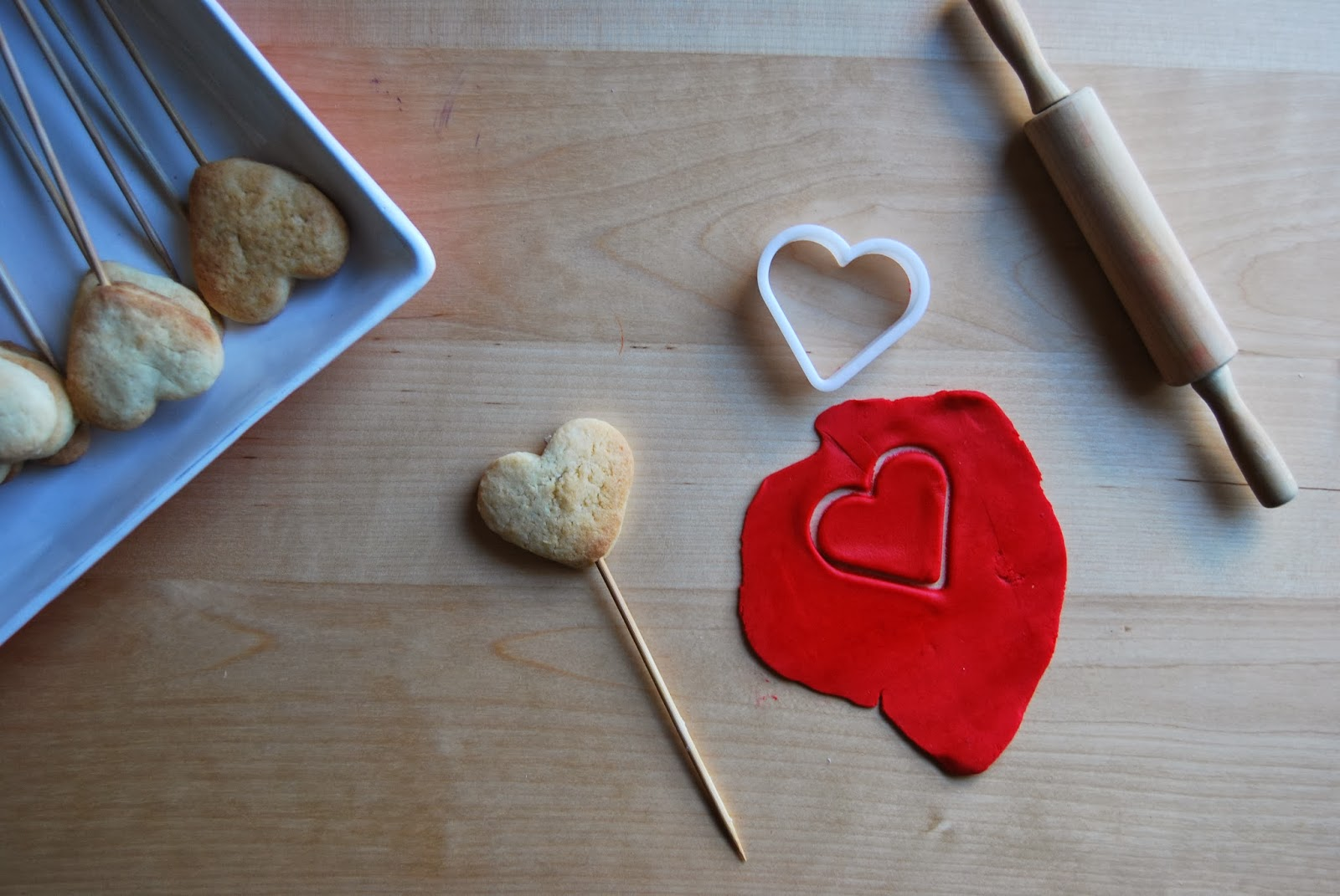 http://sosunnyblog.blogspot.com.es/2014/01/galletas-san-valentin-fondant-y.html