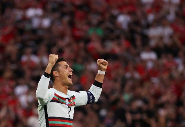 Manchester United (MU) Tawarkan Gaji Besar ke Christian Ronaldo,  Siap Lepas Paul Pogba.lelemuku.com.jpg