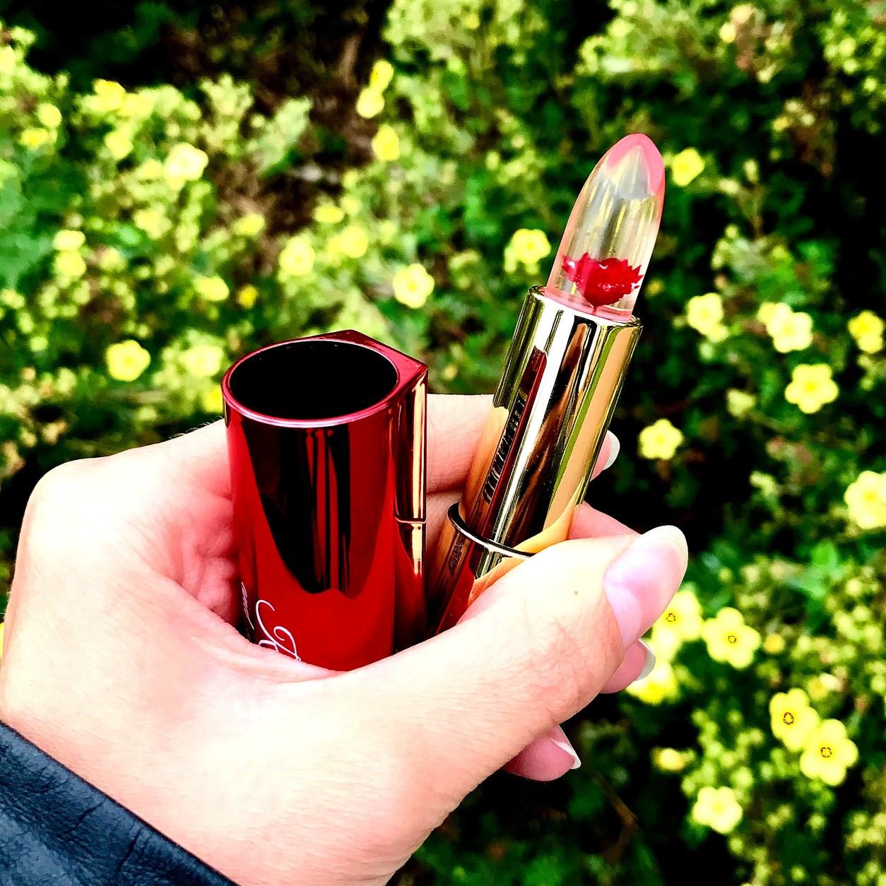 zdjęcie informujące o październikowej promocji w Rossmannie - 49 procent na kosmetyki do makijażu