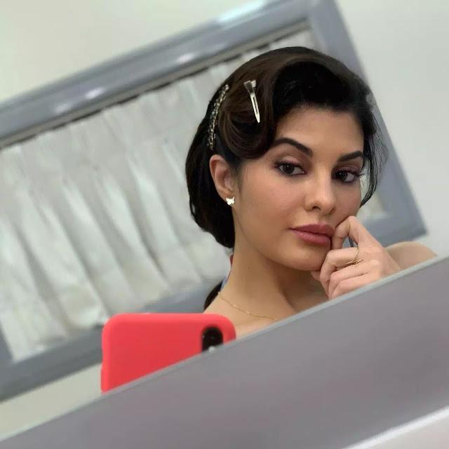 Jacqueline Fernandez Retro Updo