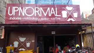 Wisata Kuliner Bandung Sederhana di Warunk Upnormal