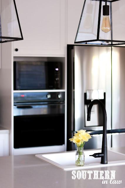 Blanco Naya 6 Silgranit Farmhouse Sink in Hamptons Shaker Kitchen