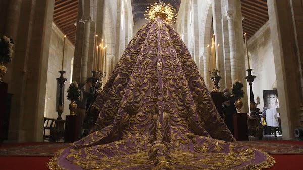 La Virgen de las Lágrimas de Córdoba ya luce su manto restaurado