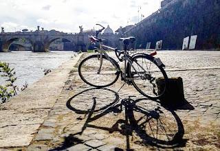 Tour in bicicletta: Passeggiando lungo il Tevere da Ponte Sublicio all'Ara Pacis