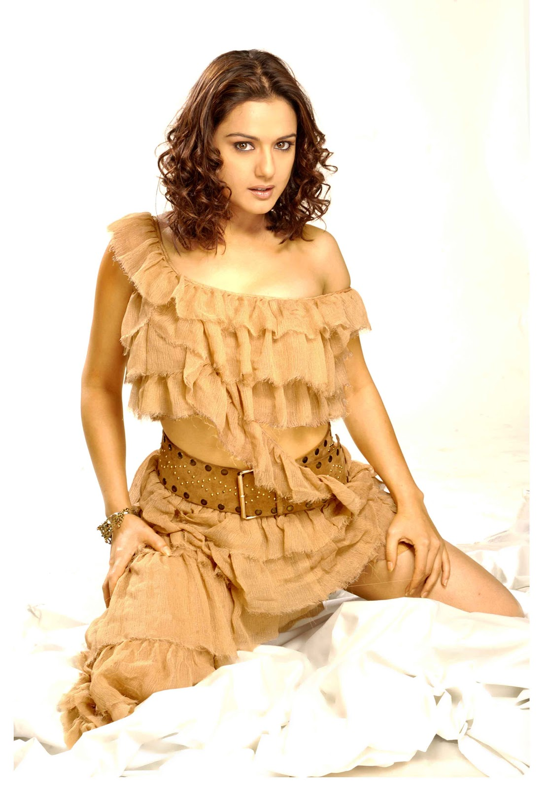 Photo And Wallpapers New Preity Zinta Hot Photos, New -9888