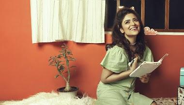Priyanka Sharma Hot Glam Hd Photos In Green Midi