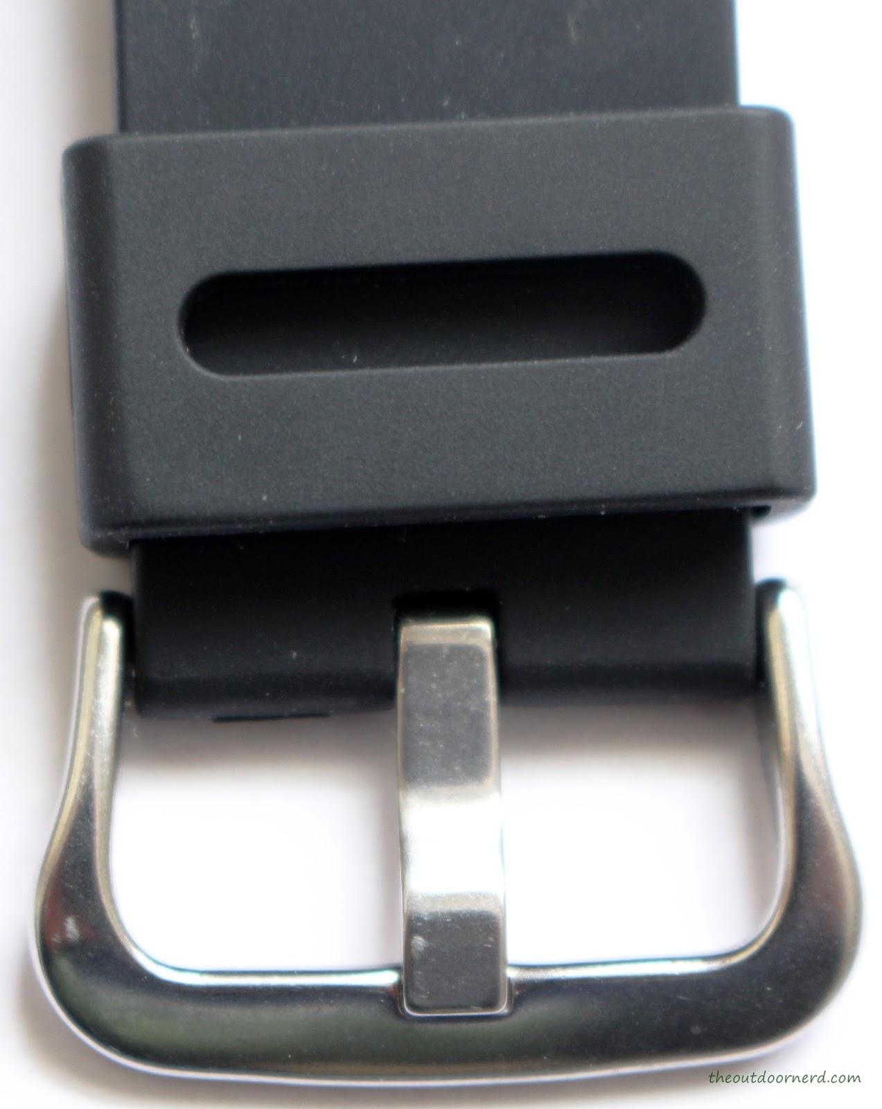 Casio MDV106-1A Diver's Watch: Closeup of Buckle