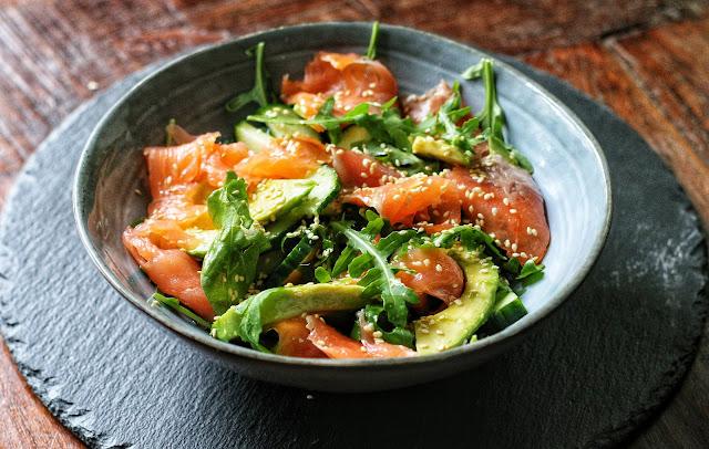 Salmon, Avocado and Arugula (Rocket) Salad