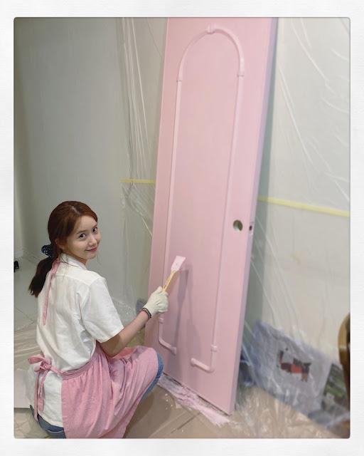 SNSD YoonA Paint