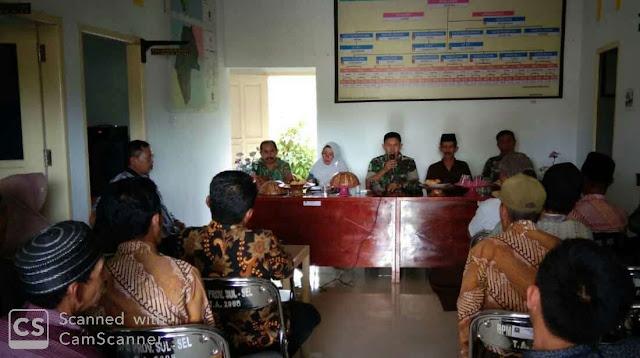 Bersama Kades, Dandim 1424/Sinjai Sosialisasi TMMD di Desa Tompobulu